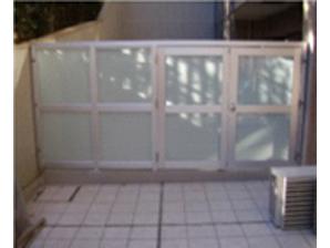 ガラス板入り門扉